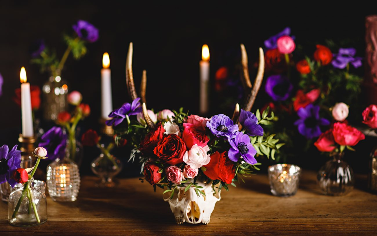 Wedding flowers decorated with a skull