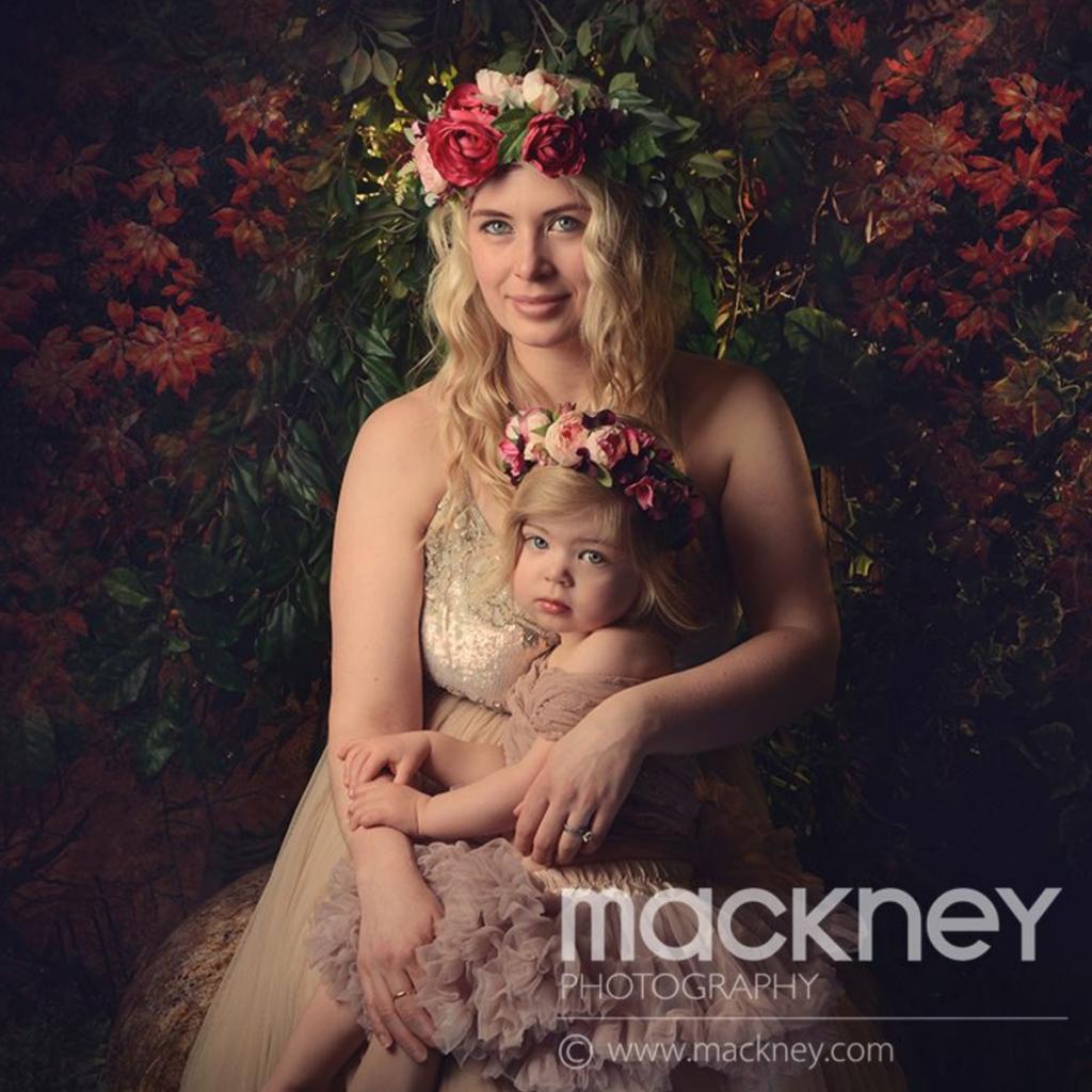 Nadia Di Tullio Crowns For Mackney Photography