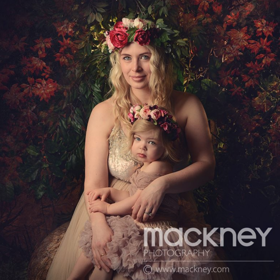 Nadia Di Tullio Crowns For Mackney Photography