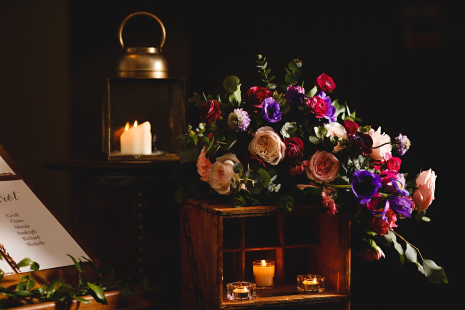 Bouquet and candle Nadia Di Tullio Flowers