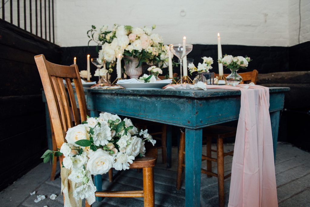 Yeldersley Hall wedding table flowers