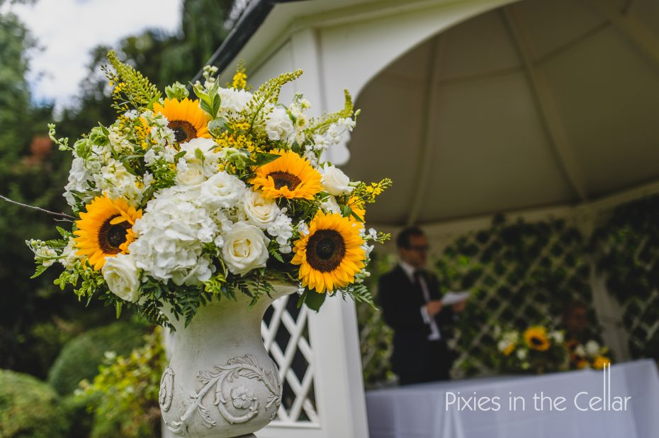 Urns at Prestwold Hall